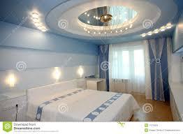 spiegel im schlafzimmer an der decke caseconrad