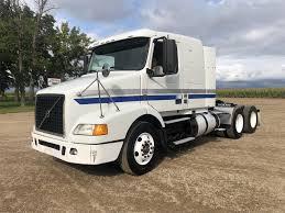100 Volvo Semi Truck 2011 VNM64T420 Starbuck Minnesota Machinery Pete