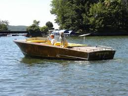Pontoon Boat Sinks Nj by Greavette Sinks At Greenwood Lake Antique U0026 Classic Boat Show