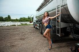 100 Truck Stop Prostitutes Relationships On The Road Dating A Driver AllJobscom