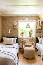 nostalgisches schlafzimmer in beige mit bild kaufen