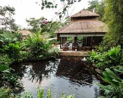 100 Hanging Garden Hotel Comoumaubudbalikemirirestaurantgoldfishpond Fly