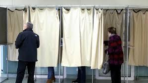 bureau de clerc des bureaux de vote dans les maisons de repos édition digitale de