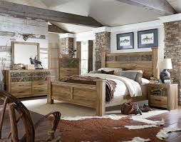 King Bed with Oversized Square Posts by Standard Furniture