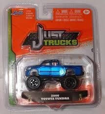 Amazon.com: Jada Just Trucks 1:64 2006 Toyota Tundra Blue: Toys & Games
