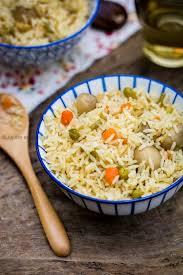cuisine du riz riz aux petits légumes et chignons