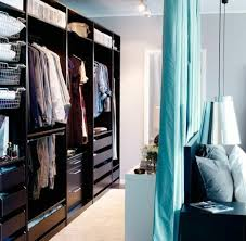 astuce pour separer une chambre en 2 la séparation de pièce amovible optez pour un rideau