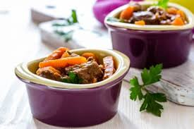 cuisiner du jarret de boeuf jarret de boeuf en pot au feu recette légumes supertoinette