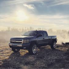 100 Rusty Trucks But Trusty