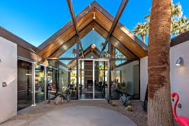 100 Eichler Architect A New Crop Of S Rises In Palm Springs The Mecca Of