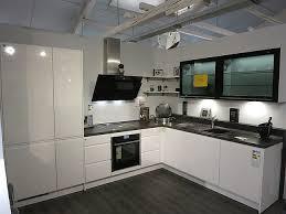 nobilia musterküche moderne l küche hochglanz weiß mit