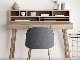 bureau chene clair des petits bureaux pour un coin studieux joli place