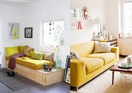 canapé déco 20 salons avec un canapé jaune joli place