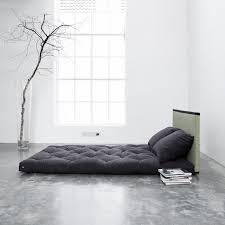canape lit futon très contemporain ce canapé lit futon tire inspiration des