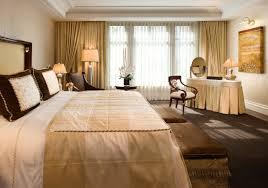 besondere hotelzimmer für die traumhafte hochzeitsnacht