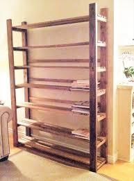 DIY Rustic Pallet Bookcase