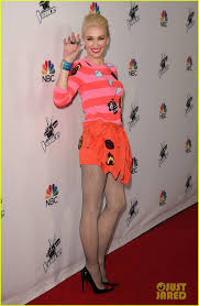 Carson Daly Halloween Gwen Stefani by Behati Prinsloo Keeps It Low Key At U0027the Voice U0027 Red Carpet Event