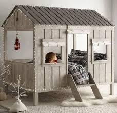 cabane dans la chambre lit design cabane chambre enfant par restoration hardware room