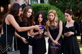 Pll Halloween Special Season 3 by The Weird Wonderful Phones Of Pretty Little Liars The Verge