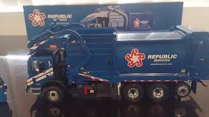 First Gear Garbage Truck Republic Services Unboxing In 1/34 Scale ...
