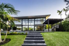 100 Modern Homes In Miami Bay Point Home With Lakefront View Asks 789M