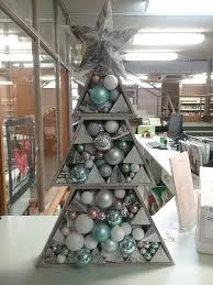 Kmart Christmas Tree Skirt by 25 Unique Kmart Christmas Trees Ideas On Pinterest Beach