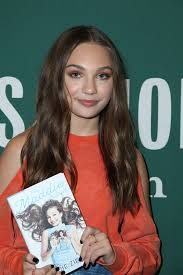 Maddie Ziegler - Signing Copies Of 'The Maddie Diaries' At Barnes ... Justin Bieber Makes Halloween Appearance At Barnes Noble The Sky Ferreira Spotted Grove Shopping Maddie Ziegler Maddziegler Signing Copies Of Shania Twain Cd Signing At And The In La2 Diaries Unstoppable Book 2017 Maria Album For Storytime With John C Mcginley To Raise Down Syndrome Awareness Lea Michele Louder Upcoming Celebrity Events Iamnostalker