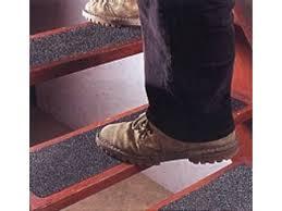 tapis antiderapant escalier exterieur revetement escalier exterieur paodom net