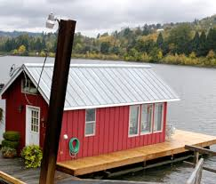 The Minnow Portland floating home vacation rental $150 nt