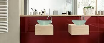 fliesenspiegel badezimmer wandverkleidung aus glas im bad