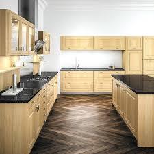armoire cuisine en bois photo cuisine en bois groupe dor cuisines lzzy co