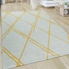 wohnzimmer teppich kurzflor im skandi stil mit rauten muster in weiß gelb