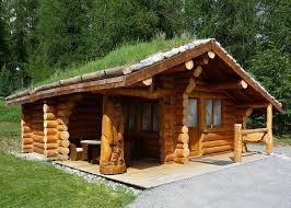 une maison en bois brut la fuste