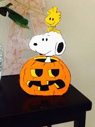 Snoopy Halloween Pumpkin Carving by Halloween Decorations Peanuts Linus Snoopy And Pumpkin Peanuts