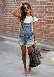 Denim Shorts Are In Style For Summer 2017 4