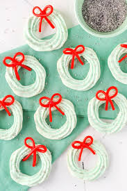Christmas Tree Meringues Cookies by 30 Cute Christmas Treats Easy Recipes For Holiday Treats U2014delish Com
