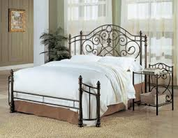 Bed Frame Types by How To Choose The Perfect Metal Bed Frame Www Efurniturehouse Com