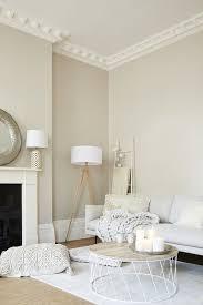 natürliche materialien und helle farben treffen im zuhause