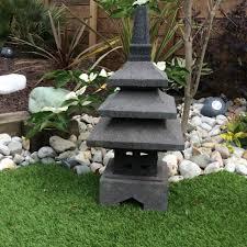 le jardin lanterne japonaise en de lave 55 cm toyama