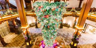 Upside Down Christmas Trees Are A Thing This Year And Some People Freaking Out