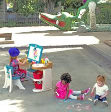 Step2 Art Easel Desk by Four Ways Kids Can Make Mother U0027s Day Perfect Step2 Blog