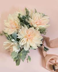 Meet Your Wedding Flower These Incredible Dahlia Details Will Make