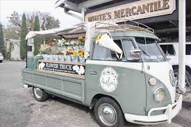 The Locals What Amelias Flower Truck To Do In Nashville Tn U Sunshine Daisies Penang