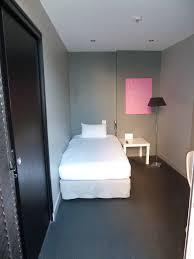 hotel et dans la chambre hôtel réservation de chambres chambre d hôtel handicapé situé à