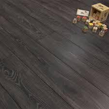 Laminate Flooring Bubbles Due To Water by Best 25 Laminate Flooring Sale Ideas On Pinterest Dark Laminate