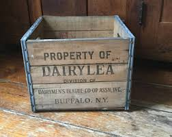 Vintage DAIRYLEA BuffaloNyWood Milk CrateFarmhouse Decor