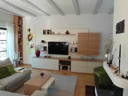 wohnzimmer mit tv und hifi integration homify