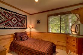 Rustic Guest Bedroom With Carpet Handwoven Southwest Rug 325 Crown Molding Lodge