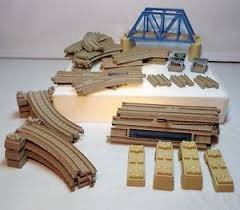 Tidmouth Sheds Wooden Roundhouse by Thomas Trackmaster Track Layout For Thomas At Tidmouth Sheds