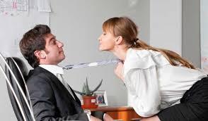 le sexe au bureau un mauvais comportement au bureau est une affaire risquée